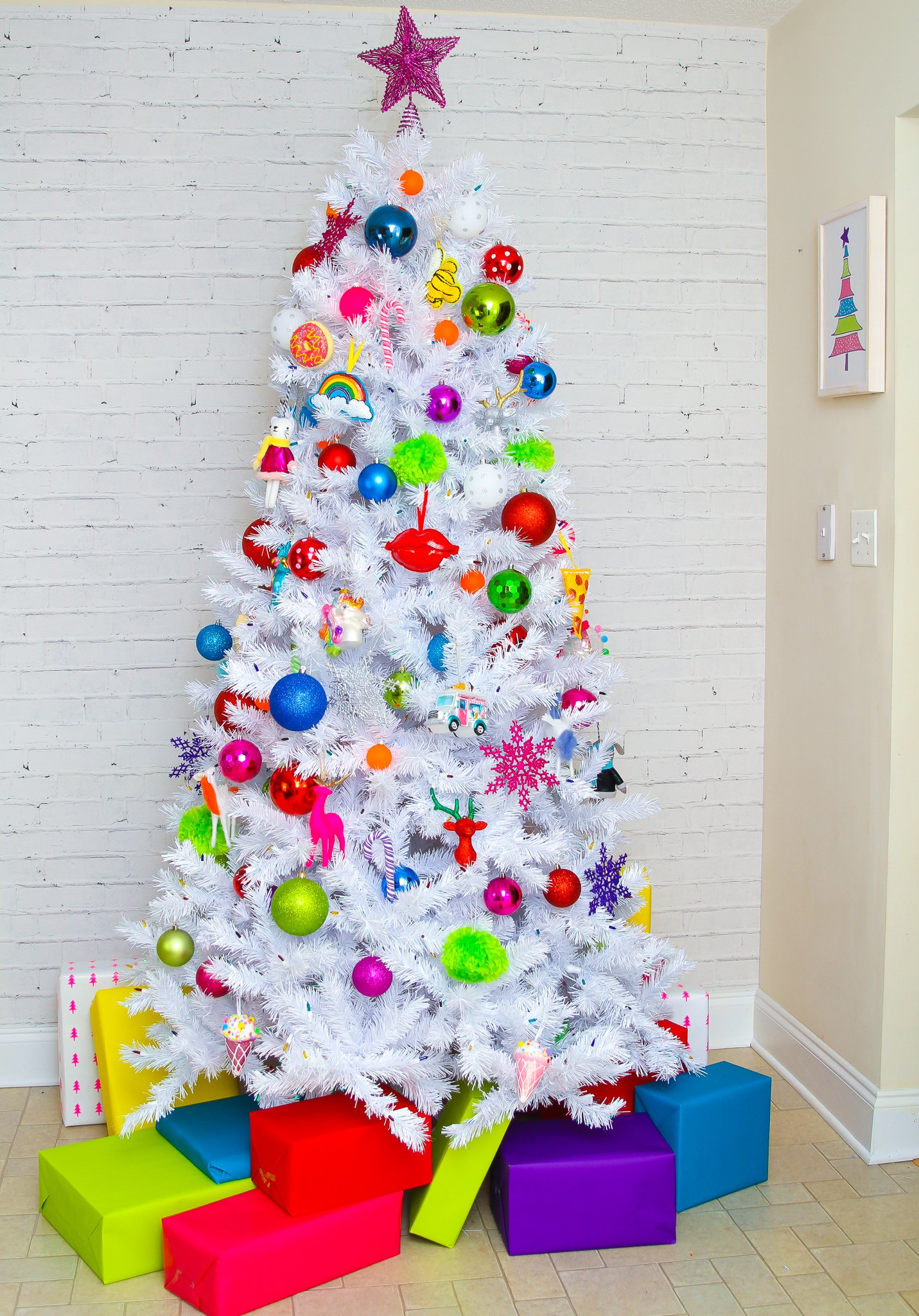Bright & Colorful Christmas Trees-Ideas To Make Them Lively