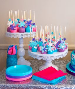 Frozen-themed Cake Pops Party Ideas