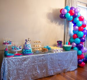 Frozen-themed Birthday Party Balloon Decor